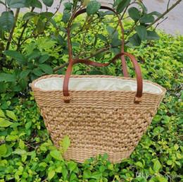 $enCountryForm.capitalKeyWord Australia - Hollow out fasion beach bags bamboo wooden summer woven shoulder handbag hand made knitting straw bag unique plain hard tote Vienam style OL