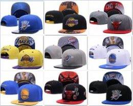 2019 Новый бейсбол Регулируемые Snapbacks хип-хоп Flat Hat Спортивная команда Высокое качество вышивки шапки для мужчин и женщин баскетбольная кепка бесплатно на Распродаже