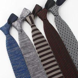 Skinny tie paiSley online shopping - Hot tie arrow type sharp corner men s wool tie version width cm autumn and winter narrow tie custom