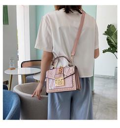 $enCountryForm.capitalKeyWord NZ - Trend women's shoulder bag 2019 new fashion snake pattern European and American style messenger bag casual ladies handbag wholesale