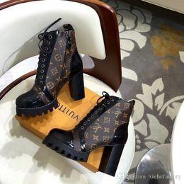 Опт Новые 2019 Женская обувь Star Trail лодыжка загрузки Chaussures налить Femmes с оригинальной коробке моды обувь для женщин Hot Bottes Femmes Быстрая доставка