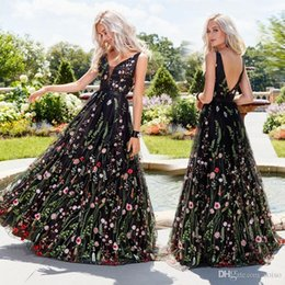 Wholesale swing sexy hot for sale – plus size Hot sale Sexy Party dress deep V Neck embroidered Dresses sleeveless embroidered dress Slim backless big swing skirt prom dress long skirt