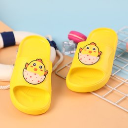 flip flops children Canada - Kids Cartoon Chick Luminous Indoor Slippers Toddler Boys Girls Summer Home Flip Flop Bedroom Shoes Children Beach Wear Slipper