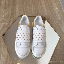 hot dress street Australia - 2019 Trendy Casual Shoes Paris Hot Sale Mens Womens Fashion Designer Sneakers Street Footwear Dress Shoe Tennis Hot Selling xsd19040403