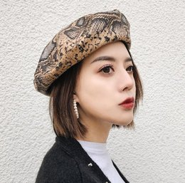 $enCountryForm.capitalKeyWord Australia - Splicing Adjustment Rope Berets Snake Skin Fashion Womens Retro Beret Literary Painter Hats and Caps Berets Caps For Women