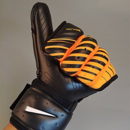 $enCountryForm.capitalKeyWord Australia - Wholesale- Goalkeeper Gloves 4mm Top Latex Soccer Football Professional Football Gloves for Training Match Sports Gloves Luvas de goleiro
