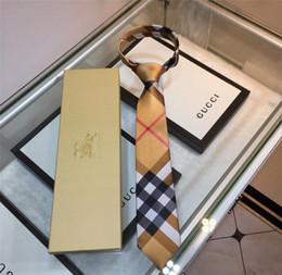 Опт Плед шаблон связей с Box высокосортных Мужские шелковые галстуки Открытый бизнес Работа партии формальный повод Галстуки подарков Бесплатная доставка