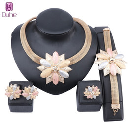 bridal gold earrings designs UK - Bridal Gift Nigerian Wedding Jewelry Set Wholesale Fashion Dubai Gold Jewelry Women Design Necklace Earring Ring