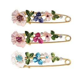 $enCountryForm.capitalKeyWord Australia - Designer Brooches Crystal Flower Safety Decorative Pins Brooch Clip Clasp Pin for Clothing Scarves Shawl Buttons For Women Fashion Jewelry