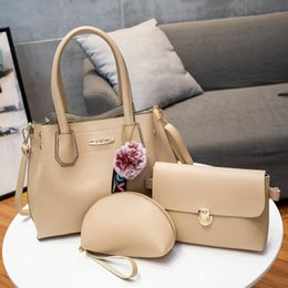 Hot autumn and winter retro women s bags Europe and the fashion old flower  trend large capacity pu female handbag 28f578f63fa57