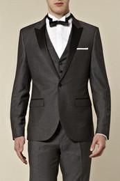 $enCountryForm.capitalKeyWord Australia - New Style One Button Grey Groom Tuxedos Best Man Peak Satin Lapel Groomsmen Men Wedding Suits Bridegroom (Jacket+Pants+Tie+Vest) H657