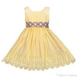 $enCountryForm.capitalKeyWord Australia - INS New Stylish Little Girls Dresses Sleeveless Round Neck Back Zipper Belt Princess Lace Girls A-line Complicated Sewing Children Clothing