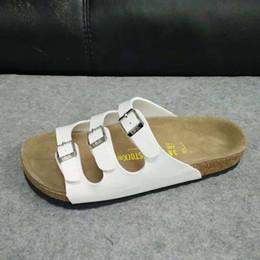 Sabots Unisexe Casual PU Lames En Cuir Berks Sabots pour Hommes Femmes Sandales De Plage Chaussures de Vacances pour Chaussures de Créateur de L'été pour les Femmes US4-14