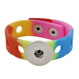 Neue mode multicolor silikon stretch snap armband fit 18mm snap schmuck armbänder für frauen kinder sommer schmuck im Angebot