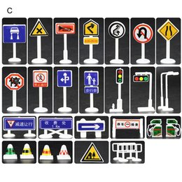 road signs Canada - 28Pcs Sets Children Educational Toys City Road Buildings Parking Map Traffic Road Signs Car Toy Scene Map Accessories