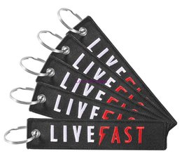 $enCountryForm.capitalKeyWord Australia - 30 PCS LOT Fashion Black LIVE FAST Key Holder for Cars and Motorcycles Car Cell Phone Key Chains Remove Before Flight Keychains Jewelry