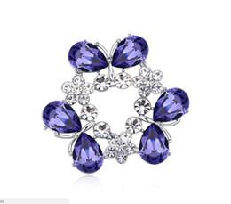 $enCountryForm.capitalKeyWord UK - Free shipping fashion jewelry Using Swarovski Elemental Crystal Brooch Viburnum plicatum High-end Ornaments Brooches Pins