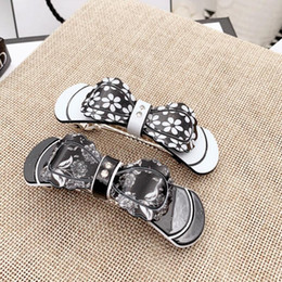$enCountryForm.capitalKeyWord NZ - New fashion hot sale high quality hairpin ponytail clip printing flower rhinestone accessories hair accessories ladies holiday gifts