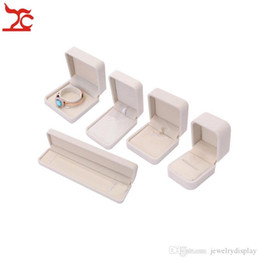 $enCountryForm.capitalKeyWord Australia - Ring Display Box Storage Earring Organizer Velvet Jewelry Packaging Gift Proposal Showcase Necklace Holder Case Beige 5pcs lot