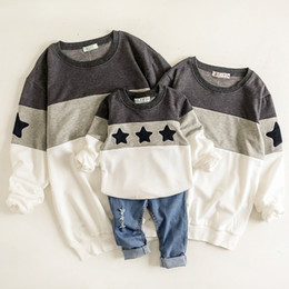 $enCountryForm.capitalKeyWord Australia - Father And Son Clothes Mother Mommy And Daughter Matching Clothes Shirts Mom And Daughter Dress Stars Hoodie Sweatshirt Pajamas Y19051103