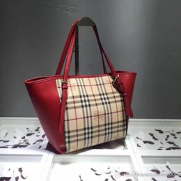 $enCountryForm.capitalKeyWord NZ - new Classic fashion designer bag are compact Deluxe bag easy to carry, hand bags with good leather quality number: 130 22585-2