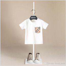 $enCountryForm.capitalKeyWord Australia - 2019 New Summer Baby Boys Short Sleeve T-shirts Children Plaid Pockets Tops Tees Kids Cotton Casual T-shirt White&Navy Blue 5pcs lot