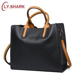 Ladies Red Handbag Australia - LY.SHARK Big Messenger Bag Women Shoulder Bag Female Bag Ladies Genuine Leather Bags For Women 2018 Women Handbags Red Black