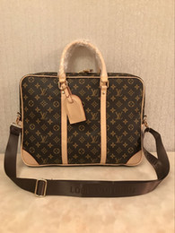 Luxury designer briefcase online shopping - 2019 designer luxury fashion shoulder bag men s leather briefcase men s laptop bag Messenger bag