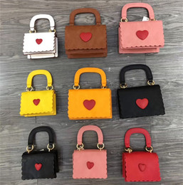 $enCountryForm.capitalKeyWord Australia - Mother And Kids Designer Handbags 2019 Hot Sale Fashion Korean Girls Mini Princess Purses Lovely Heart Bags Tote Chain Cross-body Bags Gifts