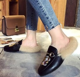 Wholesale 2018 Casual Autumn Luxury Famous Fur Feather Fashion Comfortable Shoes New Arrival Designer Women Animal Slippers