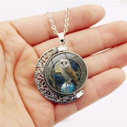 China Wizard Owl Double Rotation Time Gemstone Necklace Charms Sweater Chain Fine Jewelry Fashion Crystal Glass Dome Pendant Designer Necklaces supplier glass wizard suppliers