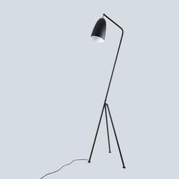 Ingrosso JESS Lampada da terra industriale minimalista moderna Lampade da terra per soggiorno Lampada da lettura Lampada da terra a triangolo triangolare in ferro LED e27