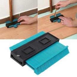 Perfil de plástico Cópia Bitola Largura Para Carpintaria Telha-ferramentas Laminados Tapetes Moldagem Ferramenta Universal Régua Radiante em Promoção