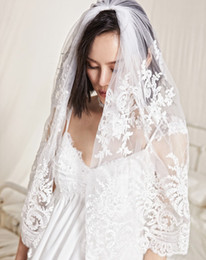 white short lace veil Canada - Short Wedding Veils With Comb Two Layers Lace Appliqued Custom Made White Ivory Cheap Bridal Veil