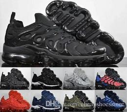 Designer Dress Shoes Drop Shipping TN Plus Running Uomo Cuscino Sport Athletic Triple nero più economico Sneakers da trekking Jogging Outdoor 40-45 in Offerta