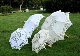$enCountryForm.capitalKeyWord Australia - Long handle Handmade Art wedding Scallop Edge Embroidery Pure Cotton Lace Wedding Umbrella parasol Romantic Bridal photograph