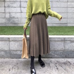 $enCountryForm.capitalKeyWord NZ - 2019 New Women Autumn And Winter High Waisted Skinny Female Golden Velvet Skirt Pleated Skirts Solid Pleated Skirt Free Shipping J190628