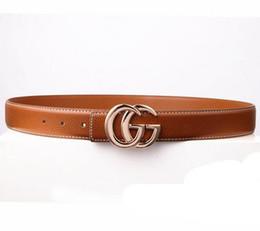 2653f2cade0 Cinturones de diseño de estilo clásico para hombres y mujeres con hebilla  de letra tamaño 105 cm-125 cm de buena calidad con cinturón ancho