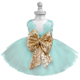 $enCountryForm.capitalKeyWord Australia - Baby Frock Designs Lace Christening Gown Gold Bow Baby Girl 1 Year First Birthday Outfit Toddler Infant Party Dress Kids Vestido Y19050801