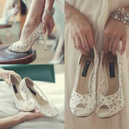 elegant brides shoes 2019 - Designer Fashion White Lace Wedding High Heels Shoes For Bride Crystal Beaded Peep Toe Women Luxury Prom Party Pumps Ele