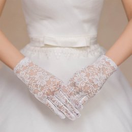 Wholesale Hot lace faux women gloves sexy bride fishnet crochet floral summer Sun protection mittens elegant lady gloves