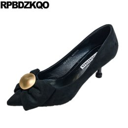97ad1eb53 Elegante stiletto vermelho médio saltos europeu scarpin preto fechado toe  alta mulheres sapatos de camurça moda 2018 arco apontado tamanho 4 34