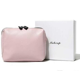 $enCountryForm.capitalKeyWord Australia - 2019 Fashion pink makeup bag famous logo beauty cosmetic case classic party makeup organizer bag elegant clutch bag with gift box VIP Gift