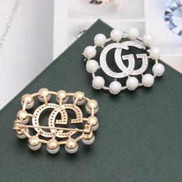 $enCountryForm.capitalKeyWord Australia - Crystal Rhinestone Letter Brooch Pin Classic Lady Gold Sliver Brooch Pins Fashion Lapel Pin Brooches for Wedding Dress