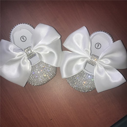 Wholesale Infant Princess Girls Big Ribbon White Handmade Bowknot Decorate DIY Custom Chain Rhinestone Baby Ballet Sparkle Christening Birthday Shoes