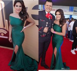 EmErald grEEn onE shouldErEd drEss online shopping - emerald green Split Long Prom Dress Charming One Shoulder Sleeveless ruched pleated Formal celebrity Evening Sexy arabic Mermaid Party Gowns