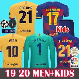 Shirt Soccer jerSeyS online shopping - New Fonts Soccer Jersey Barcelona Camisetas de Fútbol MEN KIDS Barca Messi DE JONG GRIEZMANN Rakitic Football Shirt