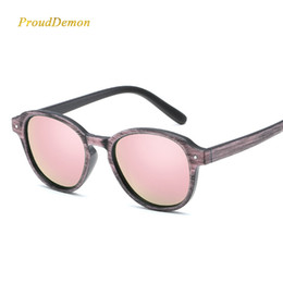 Green Plastic Wood Australia - 2018 New Imitation Wood Grain Sunglasses Women Stylish Retro Plastic Round Sun Glasses For Ladies Colored Eyewear
