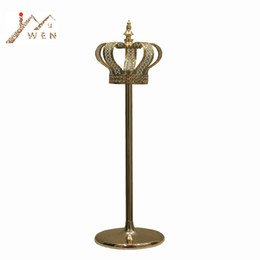 home decor crowns Canada - Metal Candle Holder Gold Crown Shape Candelabra Fashion Wedding Candle Stand Exquisite Candlestick Road Leads Party Home Decor