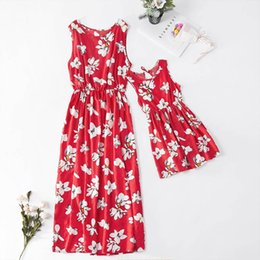 $enCountryForm.capitalKeyWord UK - Mommy And Me Pineapple Long Dresses 2019 Family Matching Clothes Mom And Daughter Beach Dress Mother And Baby Girl Family Look